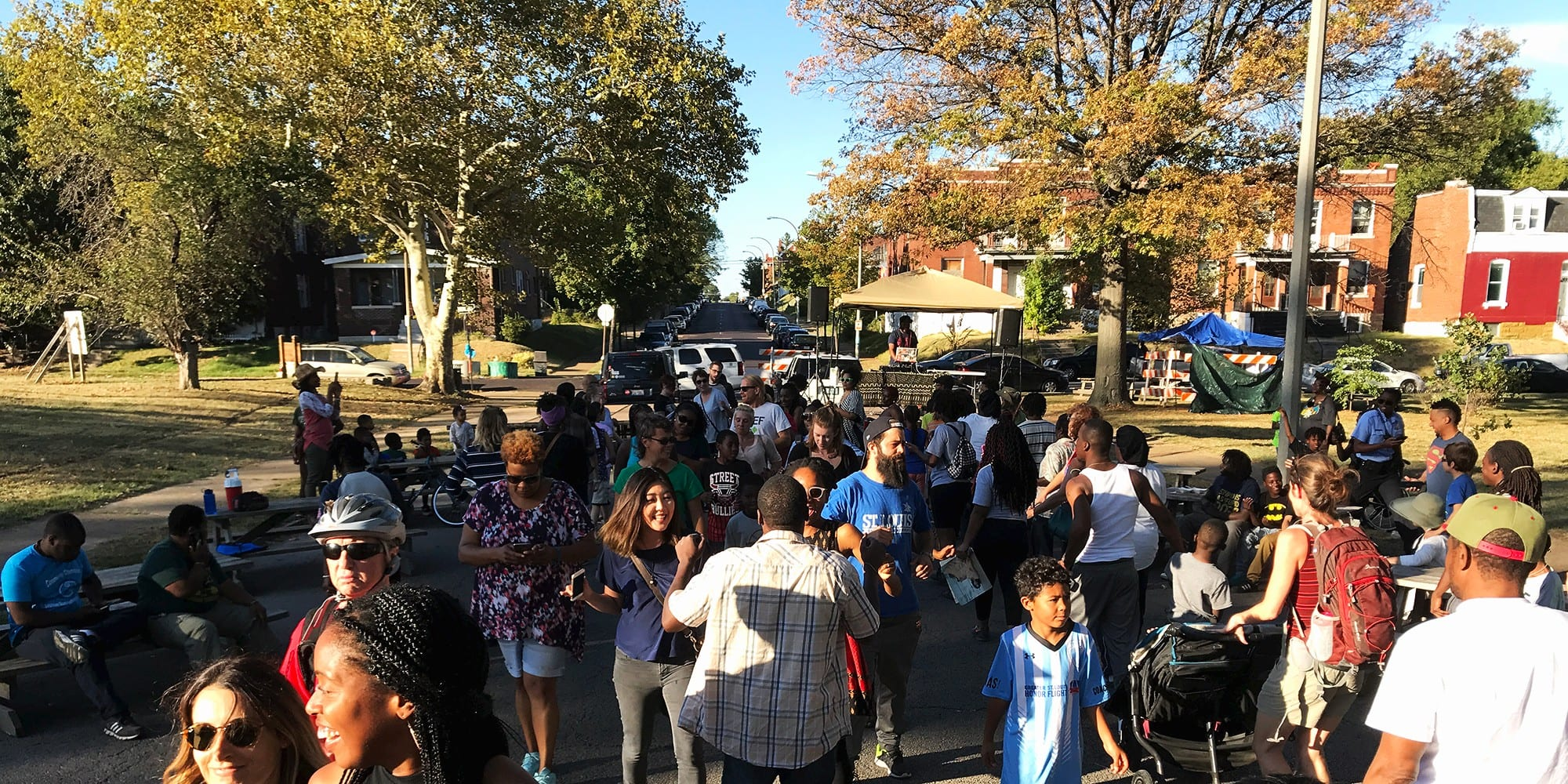 Crowds gather at the 2017 Common Sound Festival in Marquette Park in Dutchtown, St. Louis.