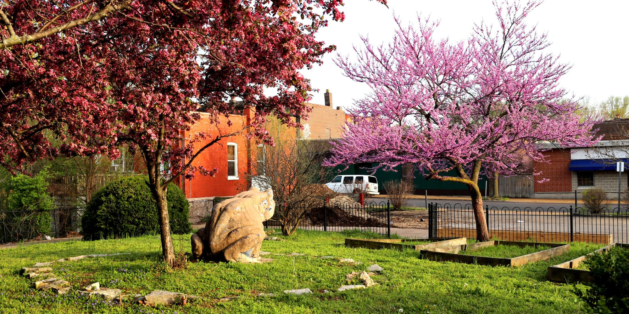 The Frog Garden at Chippewa Street and Oregon Avenue in Gravois Park, St. Louis, MO. Photo by Paul Sableman.