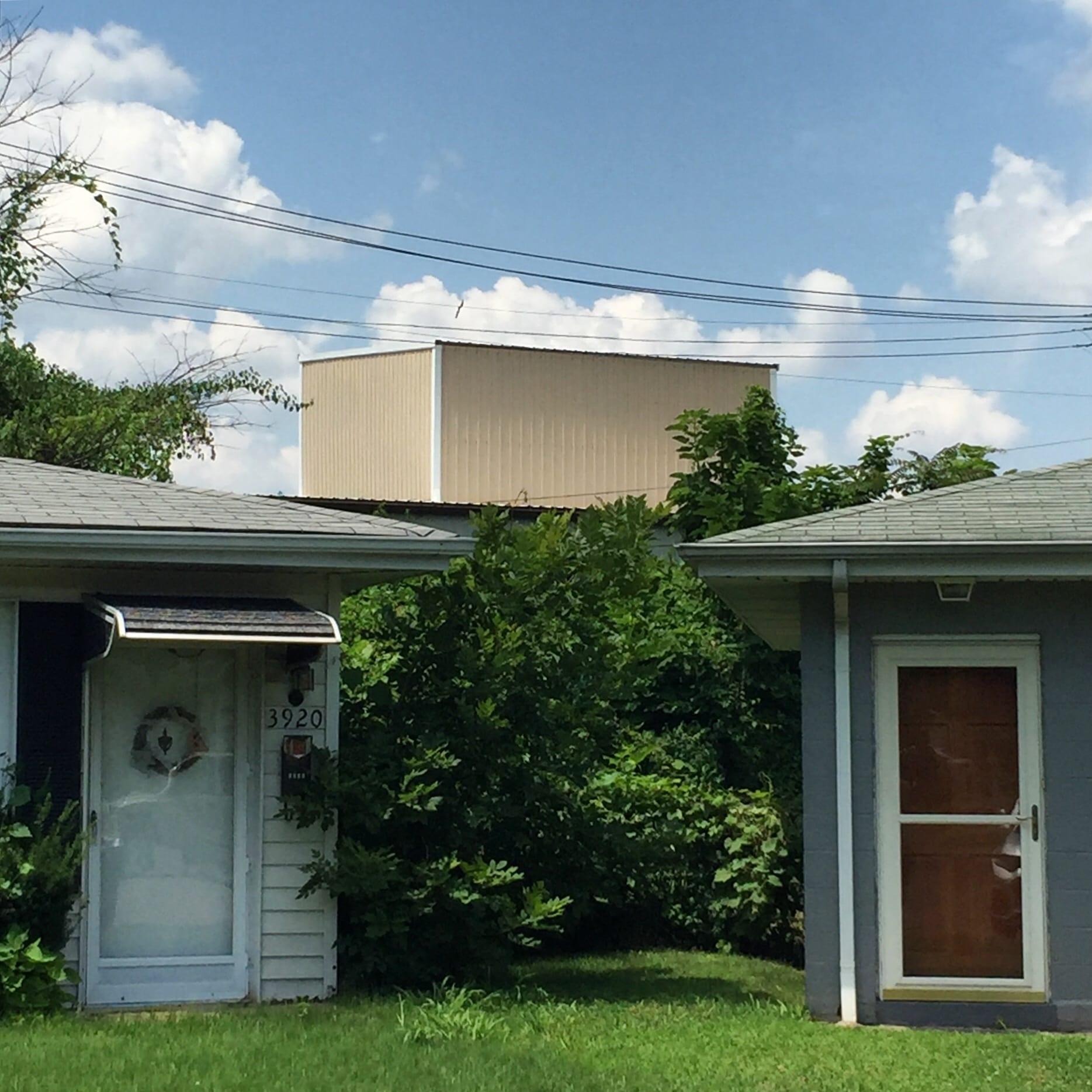 Neighboring ranch houses on Pomona Court in Dutchtown, St. Louis. Photo by Josh Burbridge.