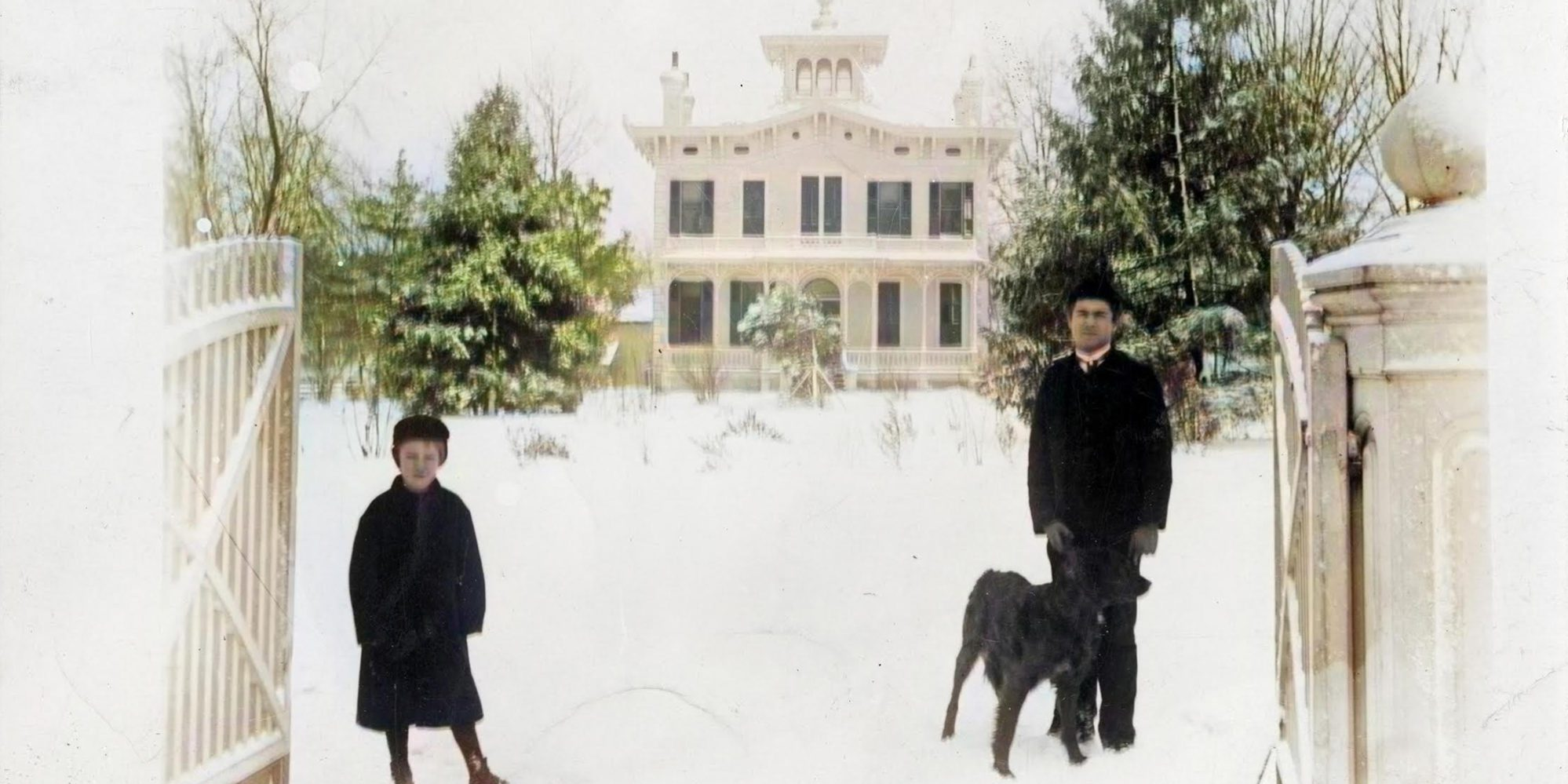 The John Withnell Dunn mansion in the winter of 1883. Colorization by Mark Loehrer (@archcityhistory).