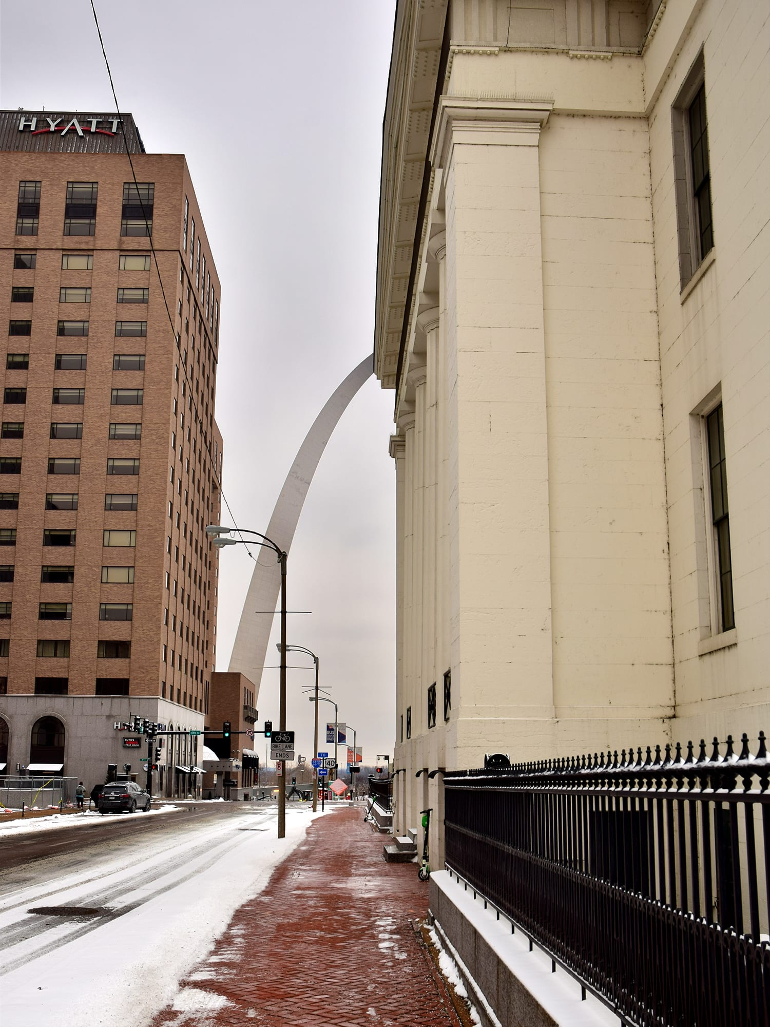 The Old Courthouse in Downtown St. Louis, with the Gateway Arch in the distance.